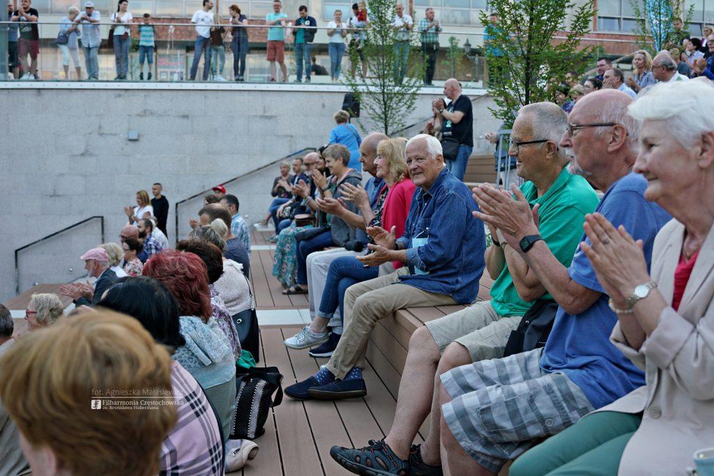Letni Jurajski Festiwal Muzyczny zainaugurowany! Tak wyglądał koncert na Starym Rynku w Częstochowie [ZDJĘCIA] 10