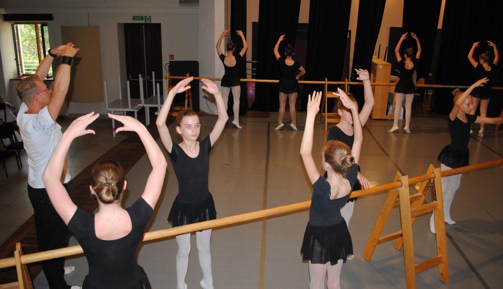 Zatańcz w balecie. Ognisko Baletowe w Żarkach czeka 12