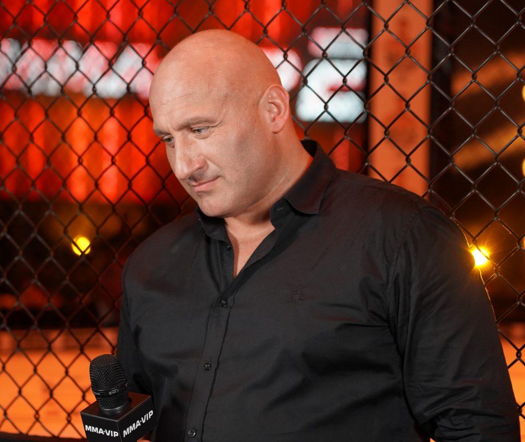 """W walce wieczoru podczas Gali MMA VIP 2 w Częstochowie """"Antykonfident"""" przydusił """"Żuroma"""" 2"""