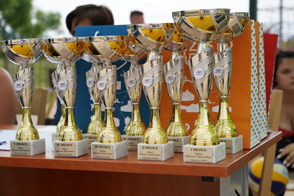 Patrycja Świąć i Martyna Chmielewska na podium w turnieju półfinałowym kadetek w Częstochowie 7