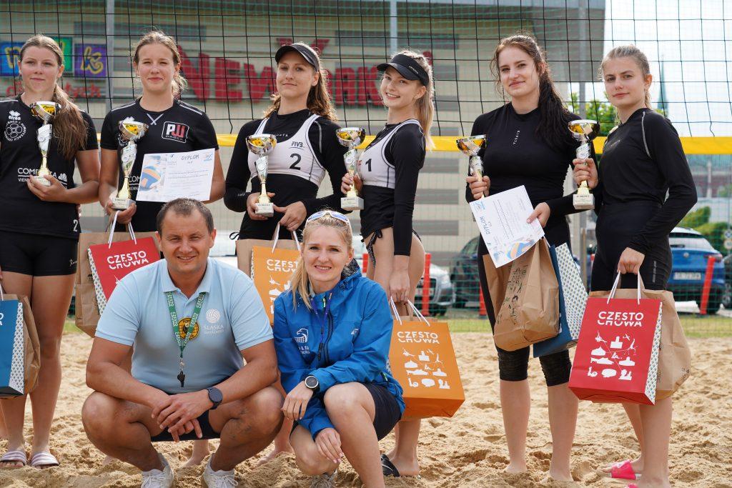 Patrycja Świąć i Martyna Chmielewska na podium w turnieju półfinałowym kadetek w Częstochowie 21