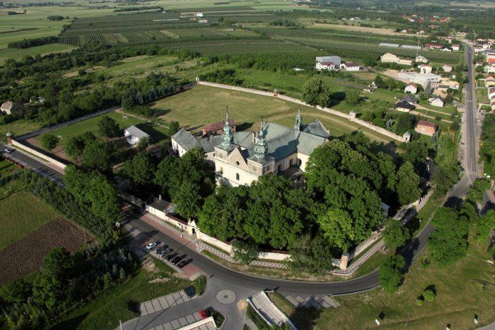 Klasztor-w-Mstowie_7
