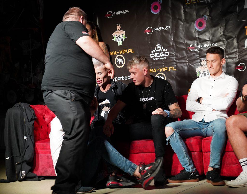 Już 18 czerwca w Częstochowie gala Marcina Najmana MMA VIP-2. A na konferencji prasowej znów było gorąco... 26