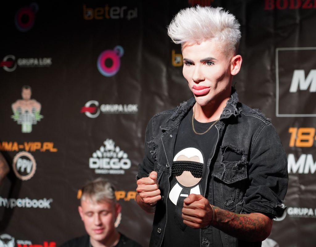 Już 18 czerwca w Częstochowie gala Marcina Najmana MMA VIP-2. A na konferencji prasowej znów było gorąco... 16