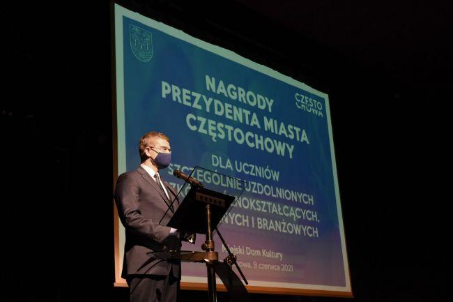 74 najzdolniejszych uczniów otrzymało Nagrody Prezydenta Miasta Częstochowy [LISTA NAZWISK] 2