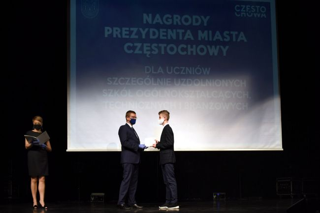 74 najzdolniejszych uczniów otrzymało Nagrody Prezydenta Miasta Częstochowy [LISTA NAZWISK] 3