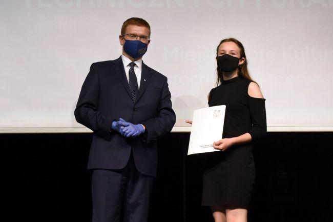 74 najzdolniejszych uczniów otrzymało Nagrody Prezydenta Miasta Częstochowy [LISTA NAZWISK] 15