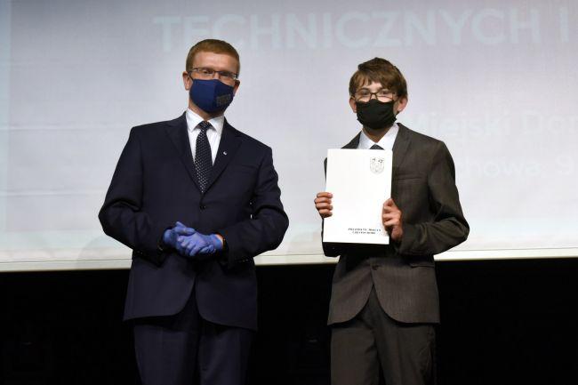 74 najzdolniejszych uczniów otrzymało Nagrody Prezydenta Miasta Częstochowy [LISTA NAZWISK] 13