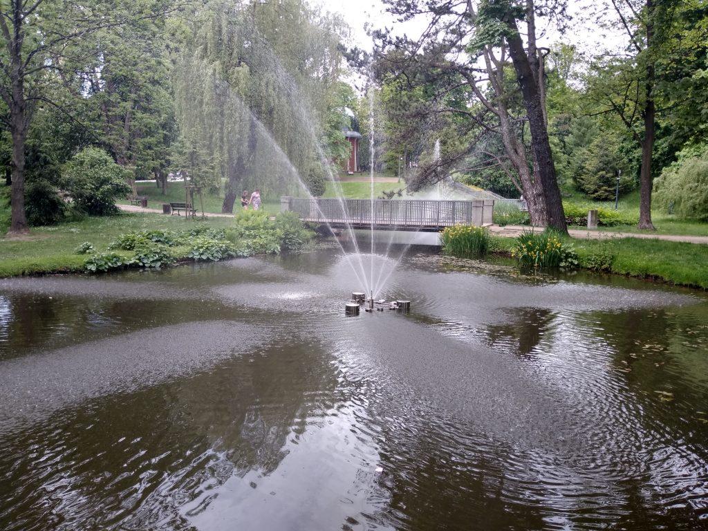 W Częstochowie włączono miejskie fontanny 5