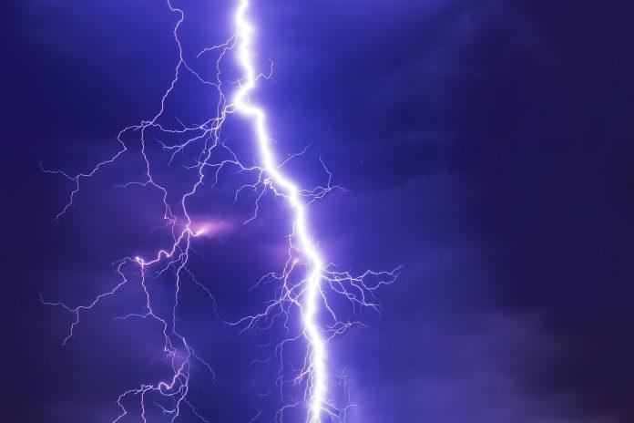 Późnym popołudniem i wieczorem możliwe burze, ostrzegają synoptycy 2
