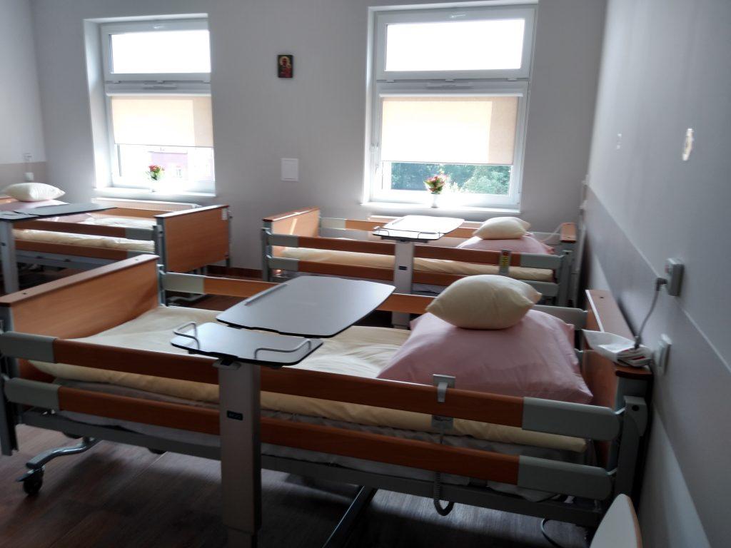 Częstochowskie hospicjum ma nową siedzibę. Mieści się ona w centrum miasta, a opiekę znajdą tam docelowo zarówno dzieci, jak i dorośli 11