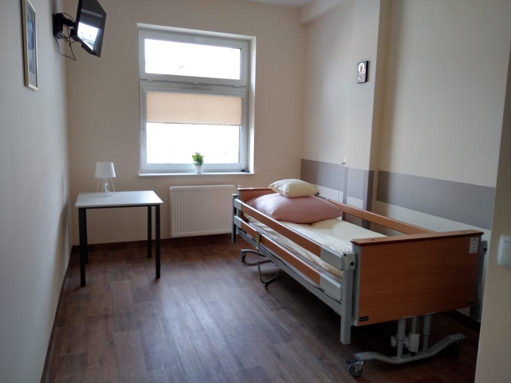 Częstochowskie hospicjum ma nową siedzibę. Mieści się ona w centrum miasta, a opiekę znajdą tam docelowo zarówno dzieci, jak i dorośli 16