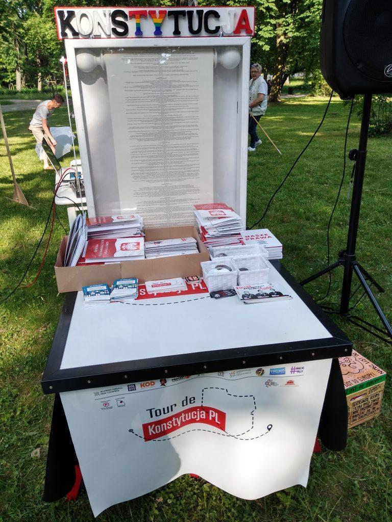 Tour de Konstytucja w Częstochowie. Zobacz, jak wyglądał piknik pod Dębem Konstytucji w Parku 3 Maja. 1