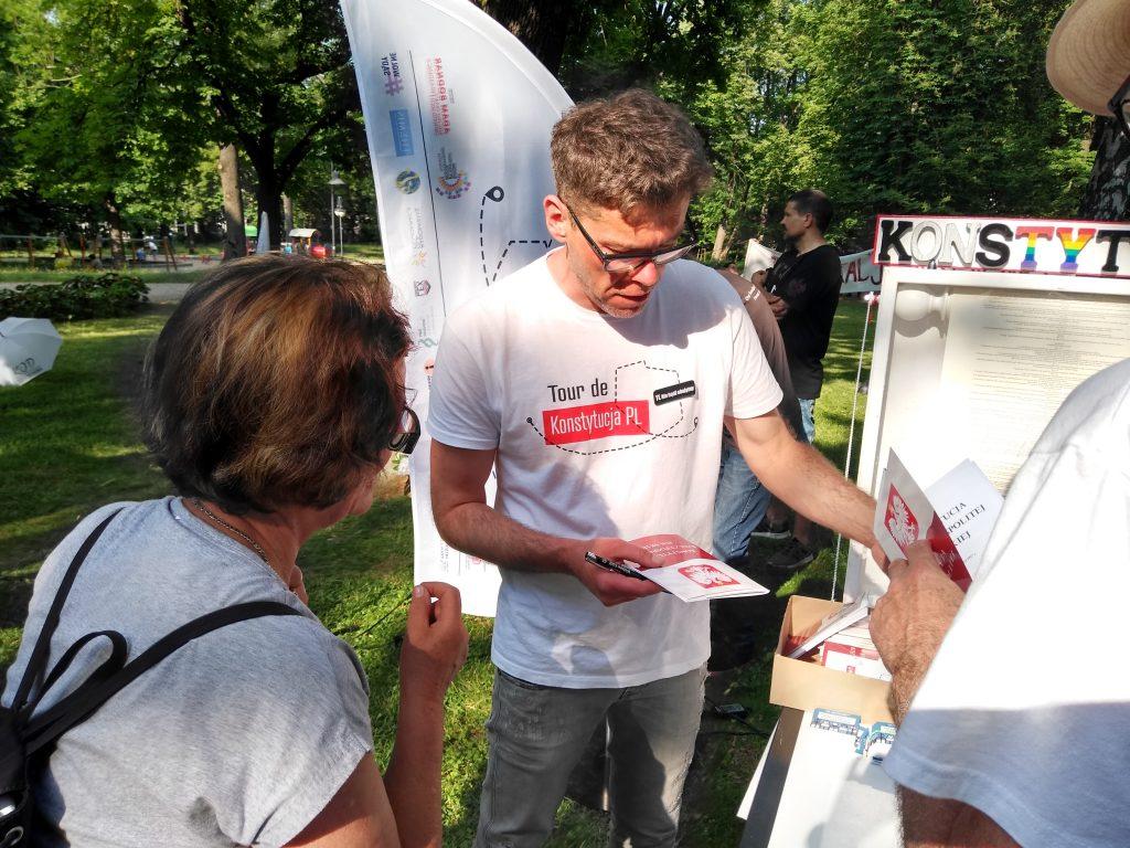 Tour de Konstytucja w Częstochowie. Zobacz, jak wyglądał piknik pod Dębem Konstytucji w Parku 3 Maja. 8
