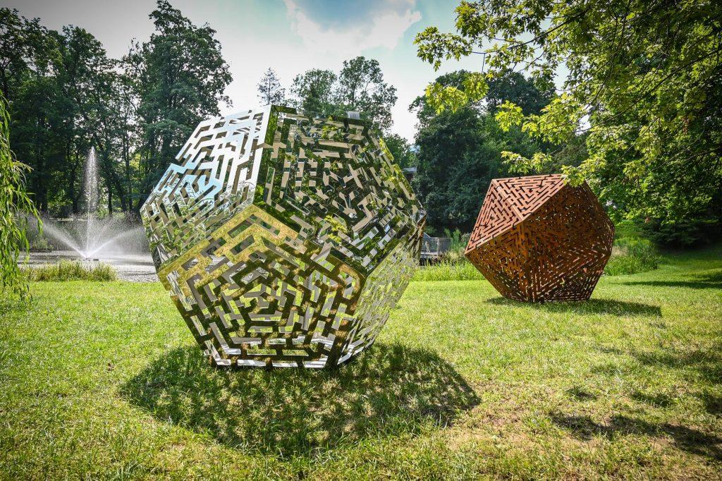 Widzieliście już wiklinowe rzeźby w Parku im. Staszica? Ich autorem jest Mirosław Maszlanko 1