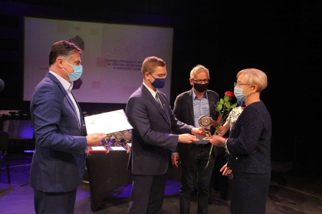 43 osoby otrzymały Nagrody Prezydenta Miasta Częstochowy za działalność w ochronie zdrowia [NAZWISKA] 1