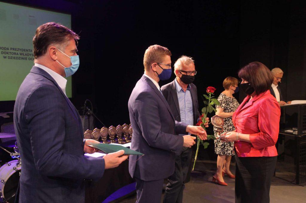 43 osoby otrzymały Nagrody Prezydenta Miasta Częstochowy za działalność w ochronie zdrowia [NAZWISKA] 4