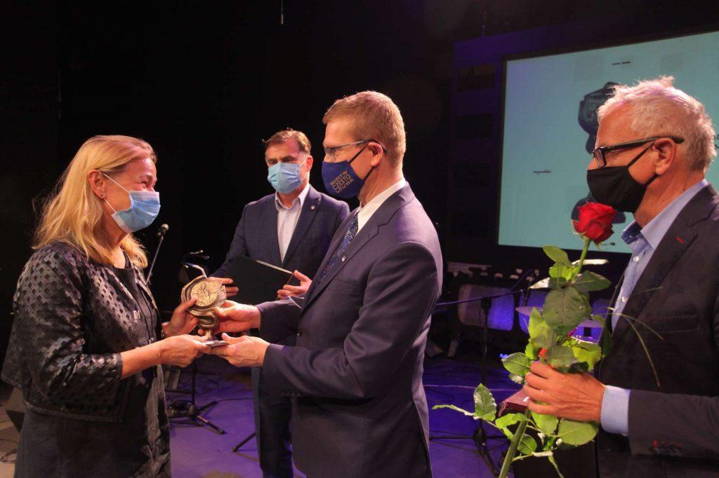 43 osoby otrzymały Nagrody Prezydenta Miasta Częstochowy za działalność w ochronie zdrowia [NAZWISKA] 6
