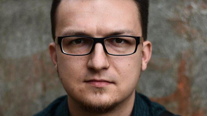 Ośrodek Promocji Kultury zaprasza na spotkanie z poetą Tomaszem Bąkiem 2