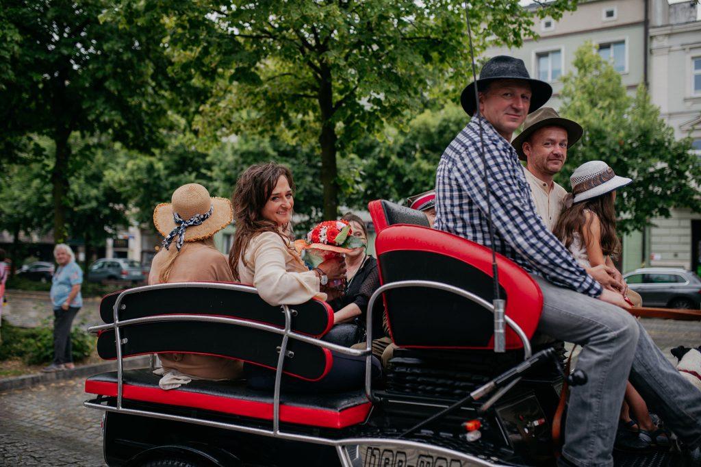 """Parada koni zainaugurowała w Częstochowie wystawę """"Z miłości i wiatru"""" [GALERIA ZDJĘĆ] 2"""