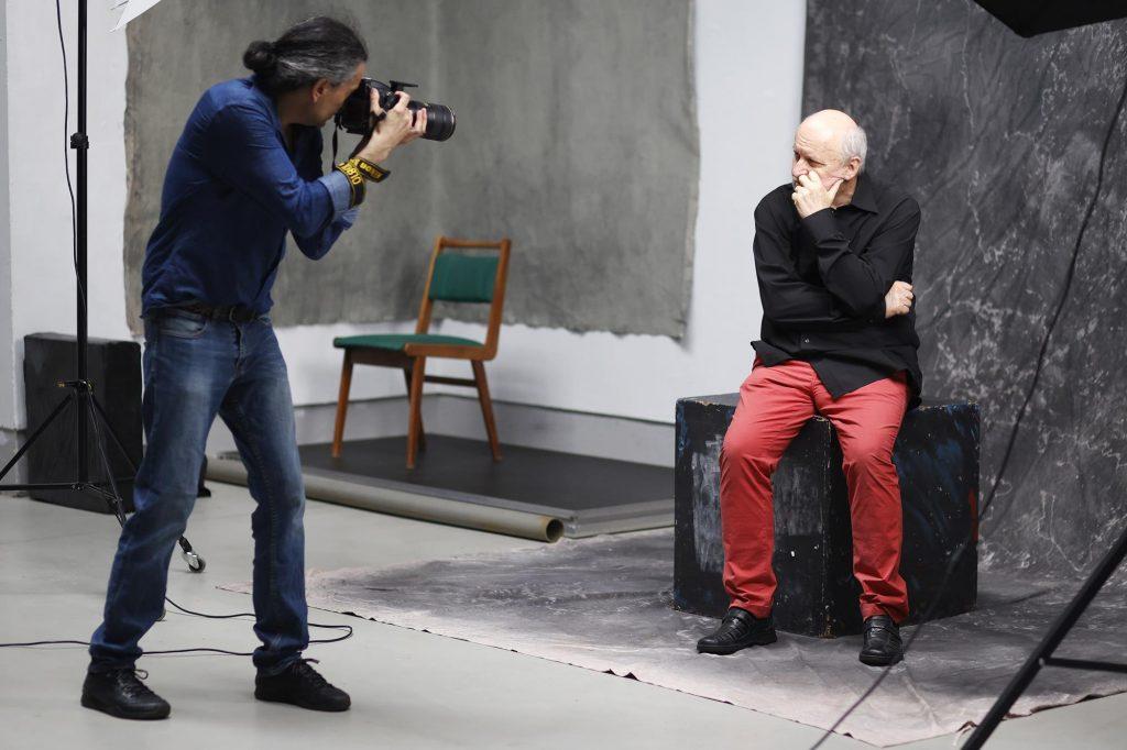 Chcesz podejrzeć jak pracuje artysta fotografik? Przyjdź do Konduktorowni na sesję pokazową 9