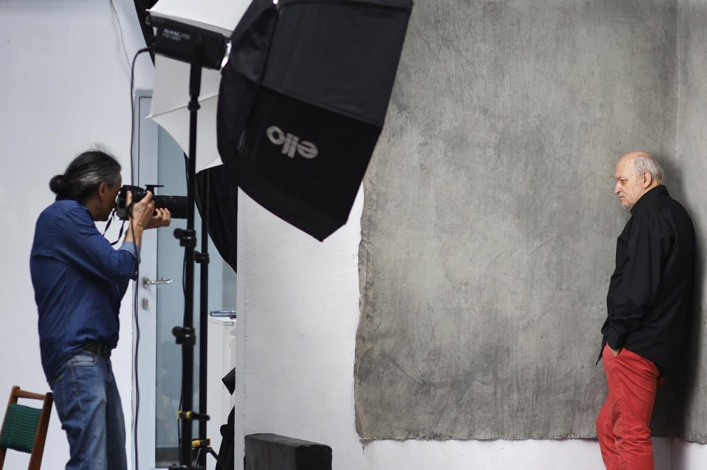 Chcesz podejrzeć jak pracuje artysta fotografik? Przyjdź do Konduktorowni na sesję pokazową 7