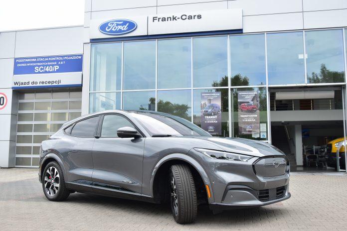 Ford Mustang Mach-E - elektromobilna rewolucja 13