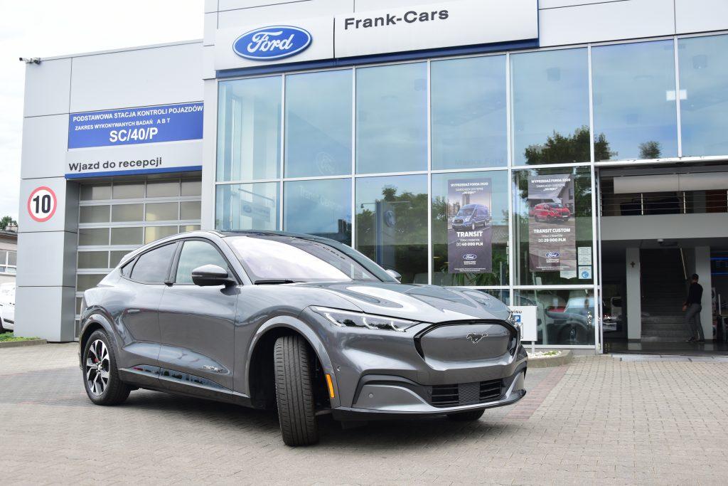 Ford Mustang Mach-E - elektromobilna rewolucja 2