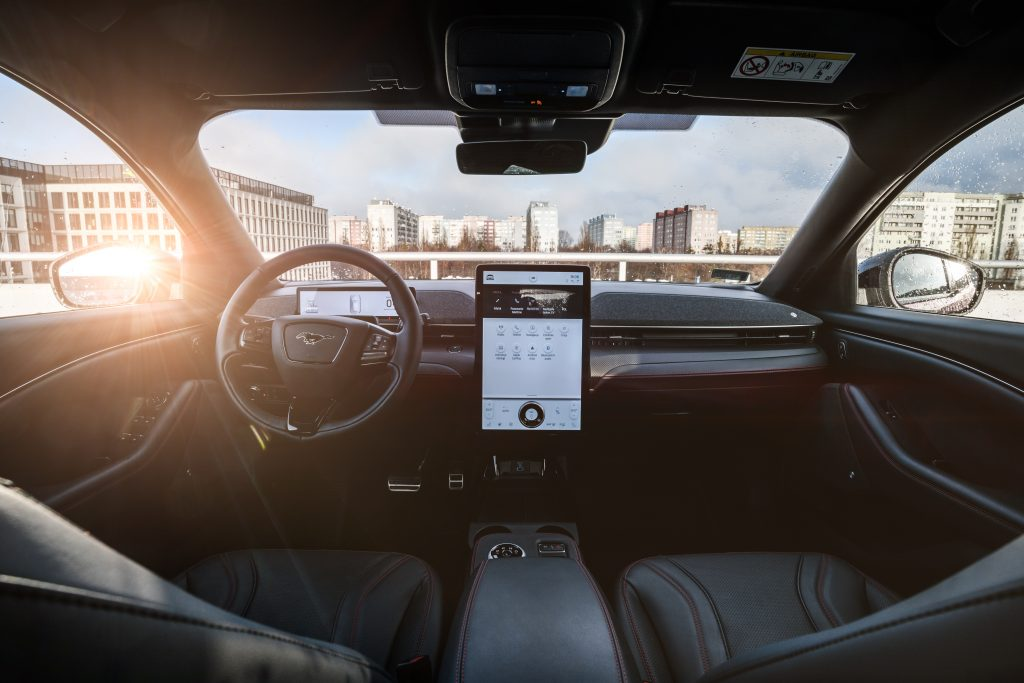 Ford Mustang Mach-E - elektromobilna rewolucja 3