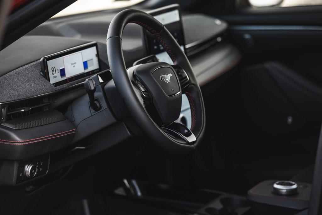 Ford Mustang Mach-E - elektromobilna rewolucja 1