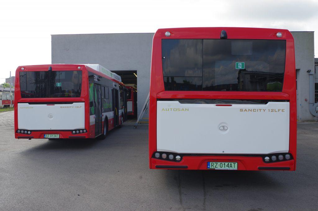 Wszystkie autobusy elektryczne już w zajezdni częstochowskiego MPK. Za kilka dnia cała piętnastka będzie wozić częstochowian 1