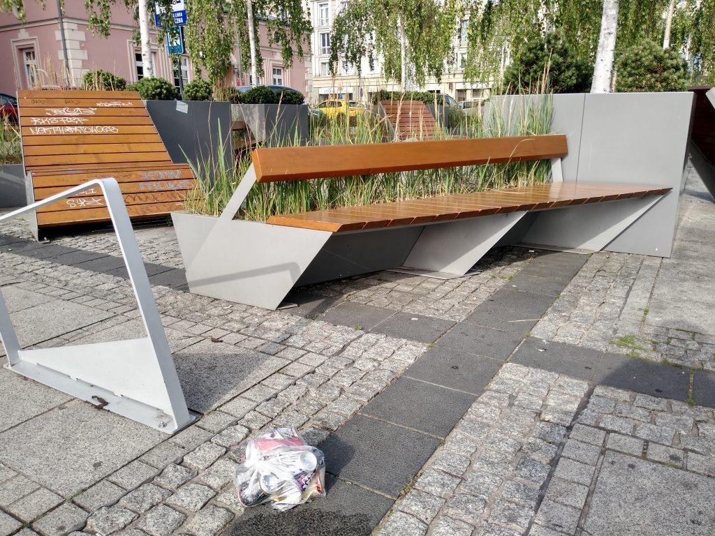 Bezdomni opanowują centrum miasta – alarmuje radna i prosi o pomoc władze Częstochowy 3