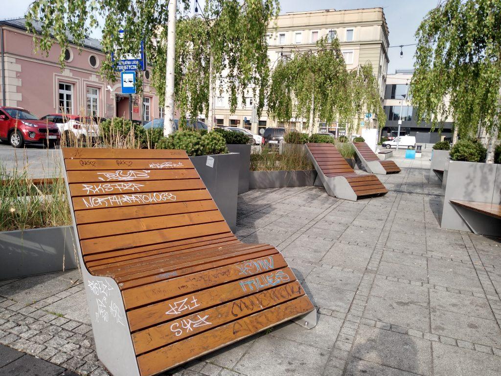 Bezdomni opanowują centrum miasta – alarmuje radna i prosi o pomoc władze Częstochowy 4