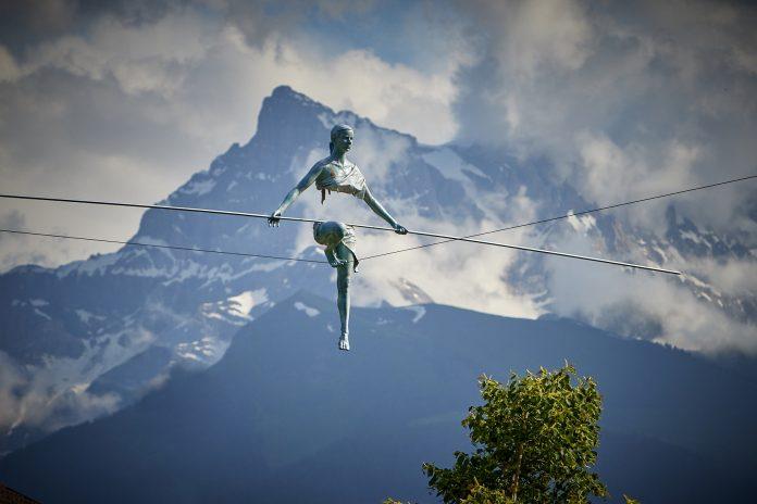 Rzeźby balansujące Jerzego Kędziory z Poczesnej znów wyruszyły w świat 5