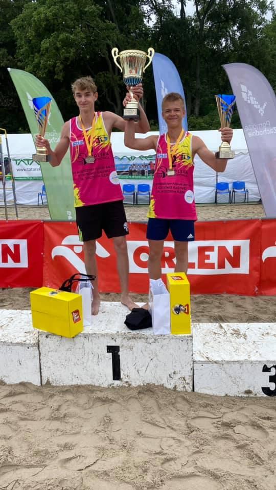 Kacper Miodek i Wojciech Deko wygrali Puchar Bałtyku młodzików w siatkówce plażowej 9