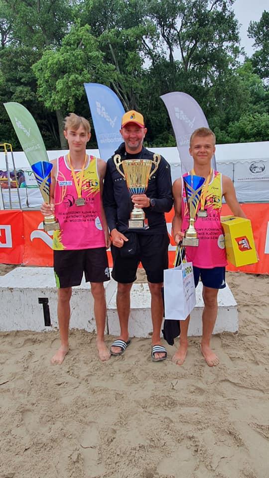 Kacper Miodek i Wojciech Deko wygrali Puchar Bałtyku młodzików w siatkówce plażowej 7