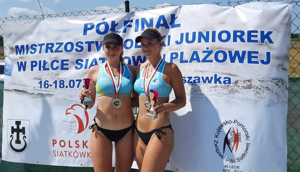 Olga Langier i Magdalena Piekarz powalczą o mistrzostw Polski juniorek w siatkówce plażowej 1