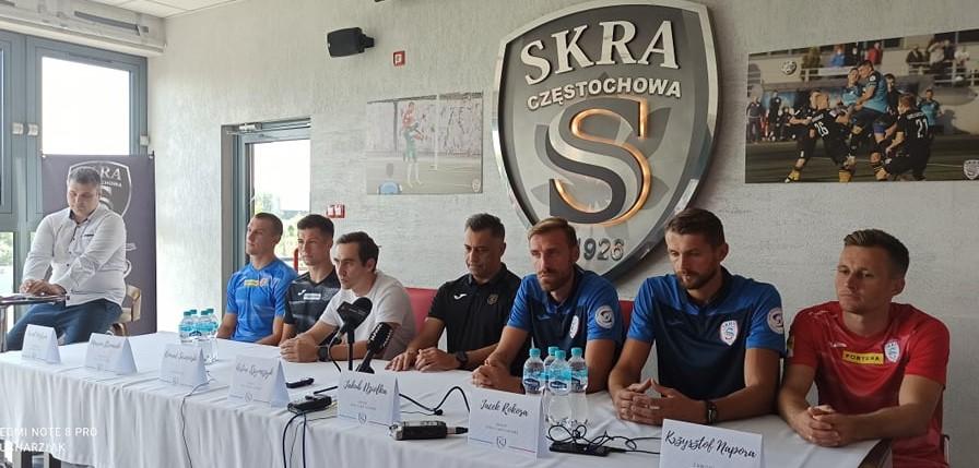 Skra Częstochowa w piątek w Kielcach zaczyna batalię w Fortuna 1 Lidze, a w środę zorganizowała przedsezonową konferencję prasową... 1