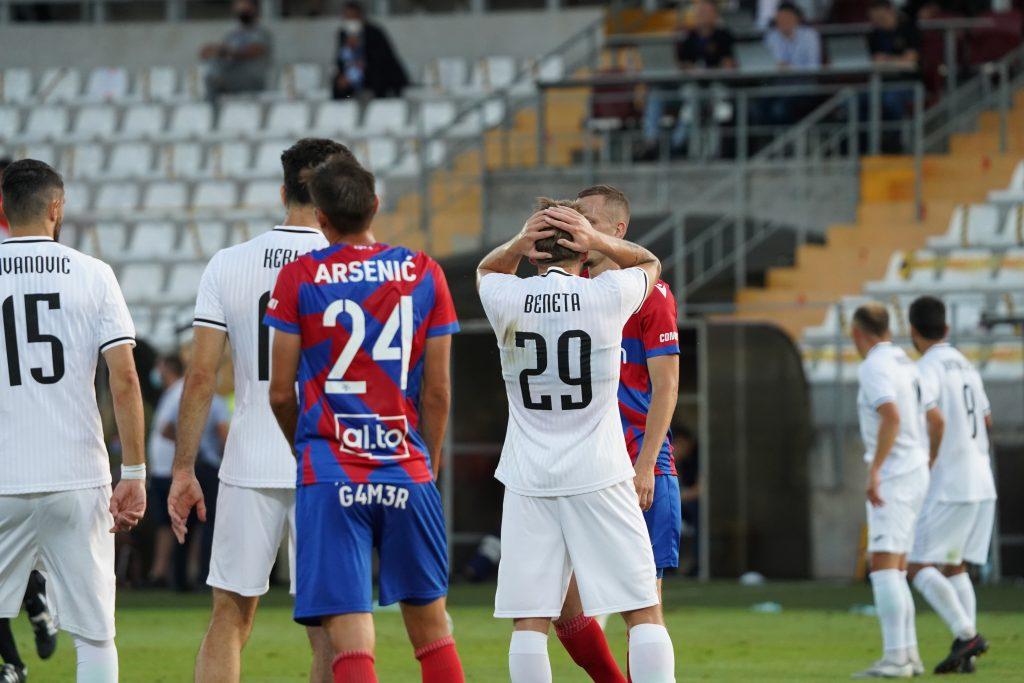 Marek Papszun: Gospodarze jakimiś prymitywnymi trikami próbowali nie przygotować boiska 5