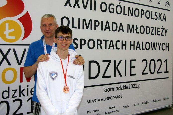 Szpadzista WLKS-u Kmicic Częstochowa Marcin Żelazny medalistą Ogólnopolskiej Olimpiady Młodzieży! 5