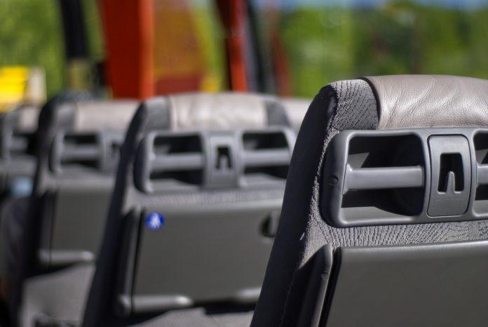 Wiadomo, jakimi autobusami będą jeździć mieszkańcy powiatu. Starostwo Powiatowe w Kłobucku podpisało z trzema przewoźnikami aneksy do umów 2