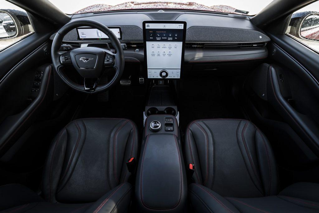 Ford Mustang Mach-E - elektromobilna rewolucja 5