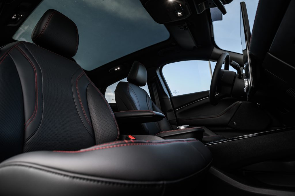 Ford Mustang Mach-E - elektromobilna rewolucja 7