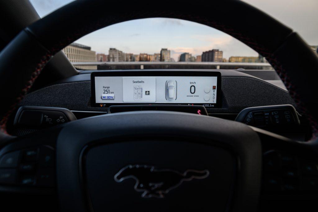 Ford Mustang Mach-E - elektromobilna rewolucja 8