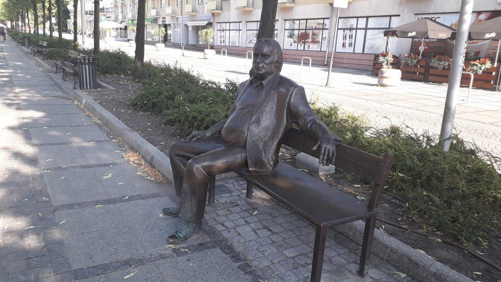 Piotr Machalica będzie mieć pomnik w Częstochowie. Artysta zasiądzie na ławeczce w Alejach, tak jak Marek Perepeczko czy Halina Poświatowska 1