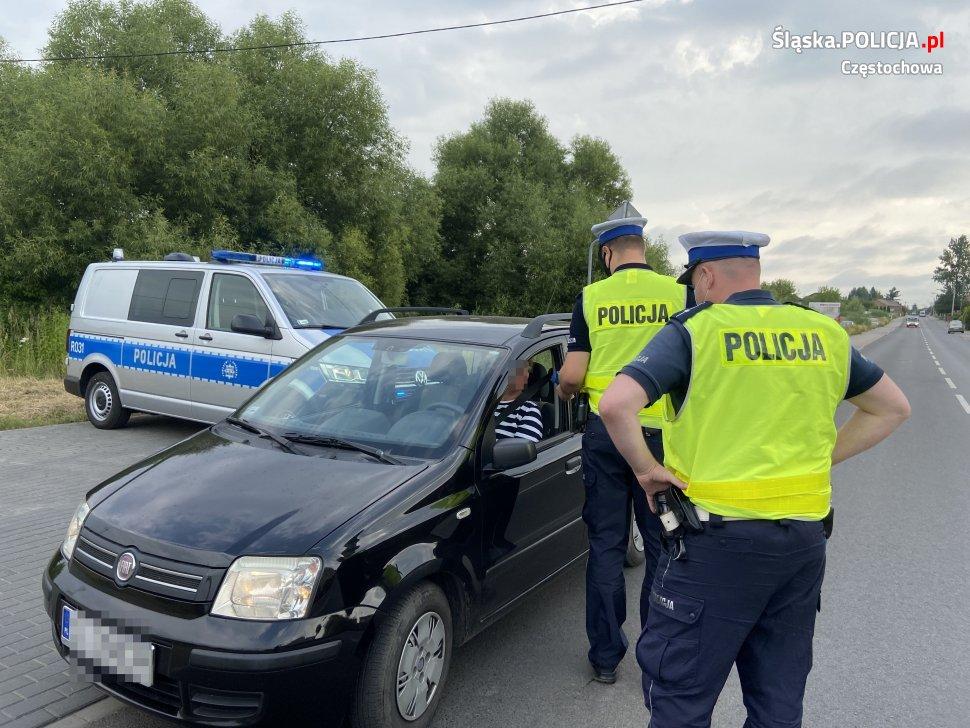 """""""Piłeś, nie jedź!"""". Częstochowska policja od początku roku ujawniła na drogach regionu blisko 400 pijanych kierowców 3"""