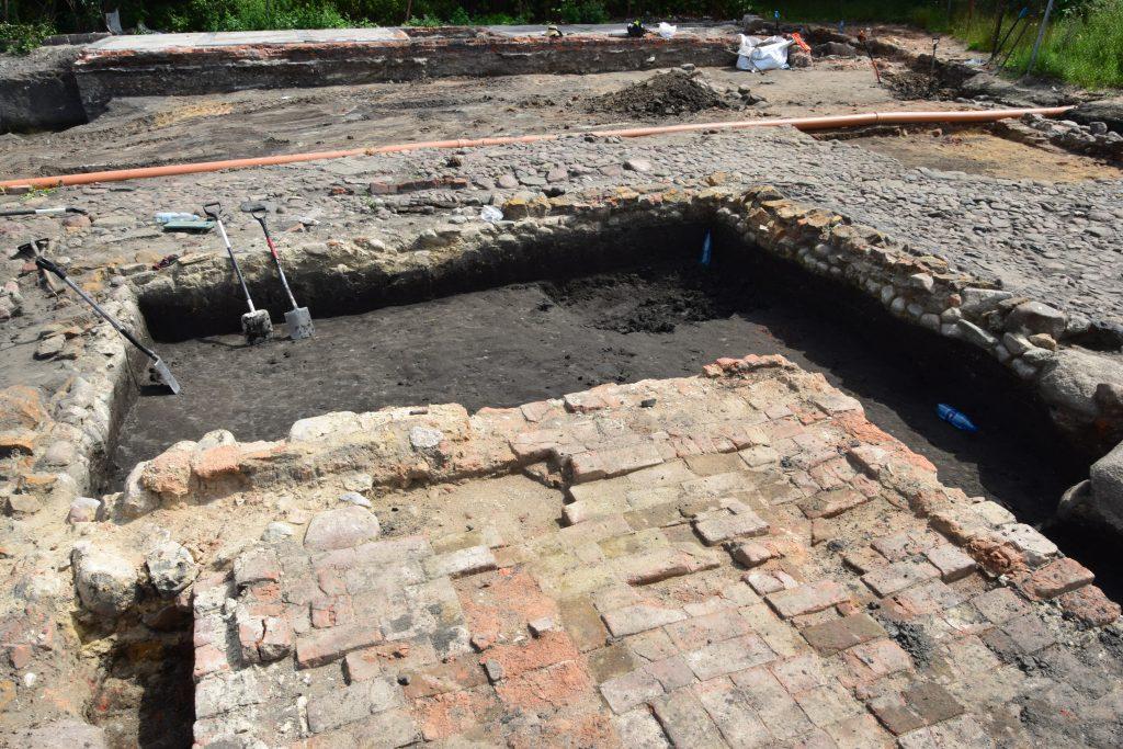 prace archeologiczne 8