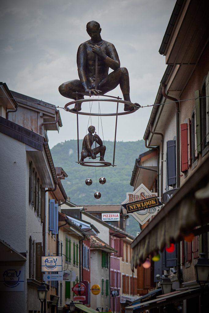 Rzeźby balansujące Jerzego Kędziory z Poczesnej znów wyruszyły w świat 1