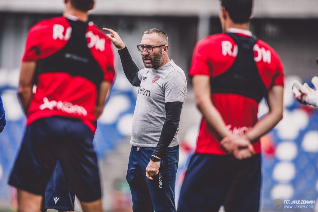 Piłkarze Rakowa są już po treningu w Bielsku Białej przed czwartkowym meczem z Rubinem Kazań 4
