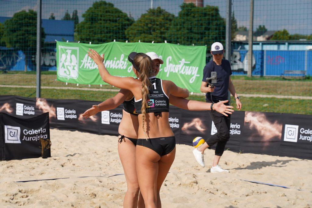 W Częstochowie odbył się Puchar Śląska kobiet w siatkówce plażowej 3
